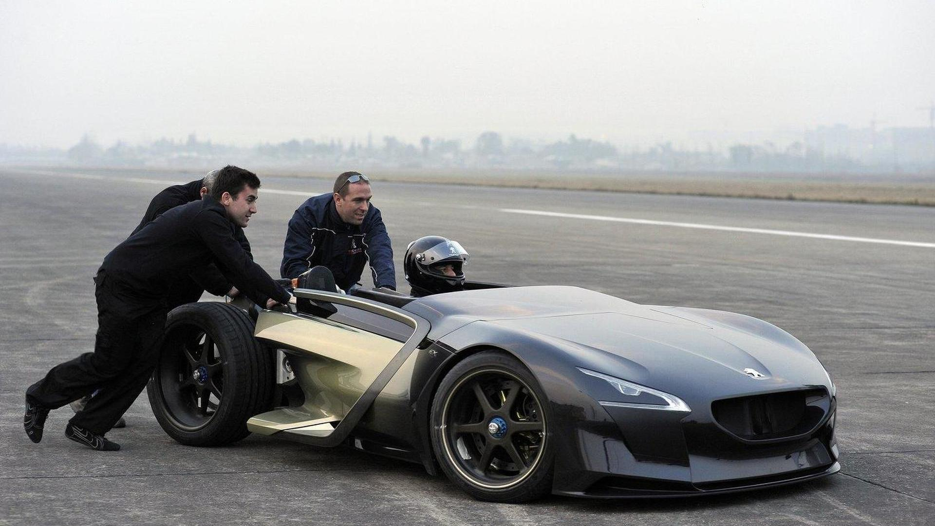 Peugeot EX1 concept setting EV performance records
