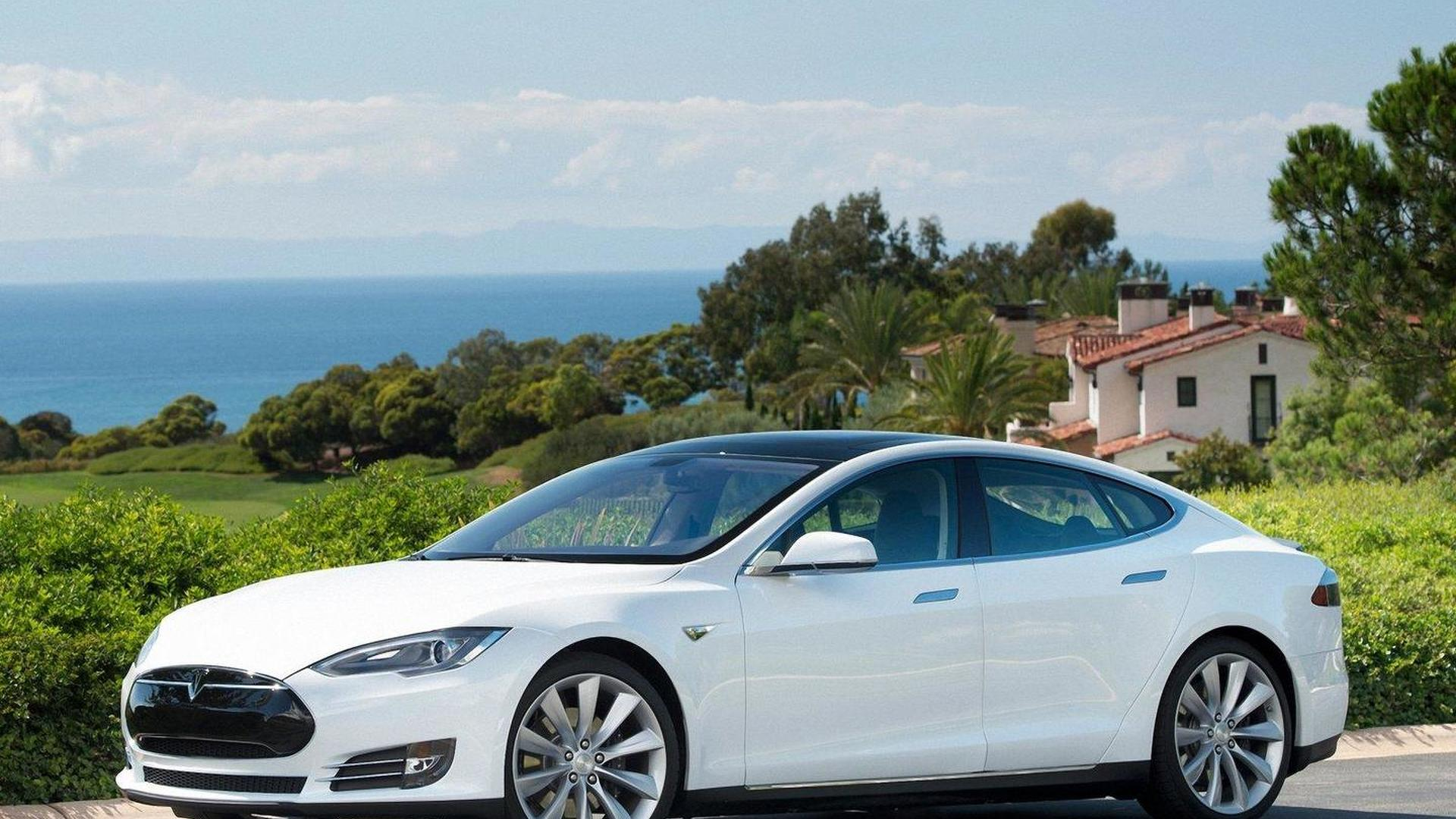 Tesla Model S hacking contest planned for next week, winner gets 10,000 USD