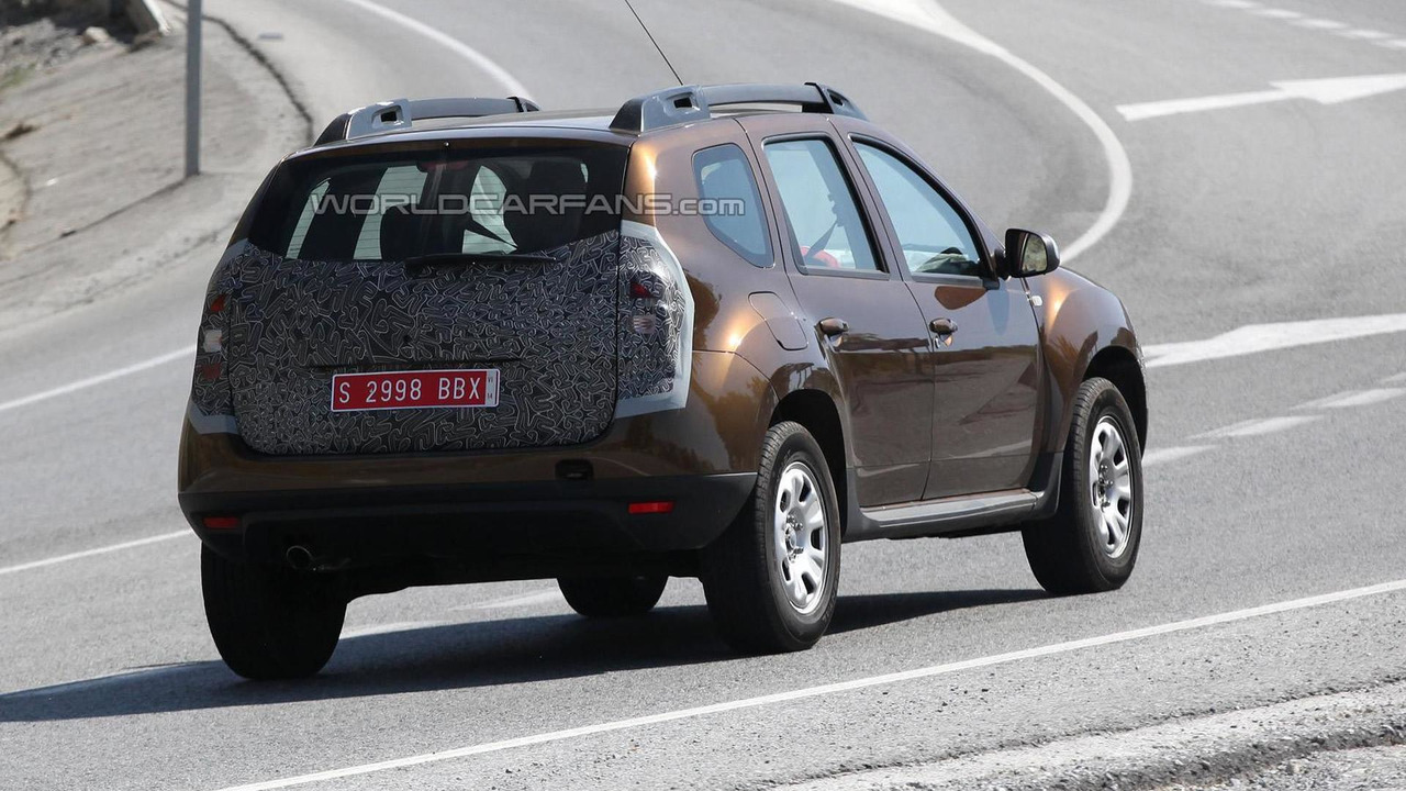 2014 Dacia Duster facelift spy photo 19.07.2013