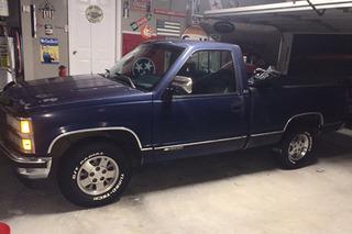 This '93 Chevrolet Silverado Restomod is a Tribute to Granddad