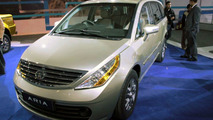 2011 Tata Aria Crossover Debut at New Delhi Auto Expo