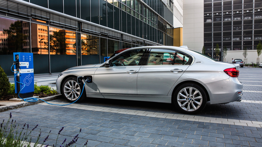 All BMW models will be electrified by 2020