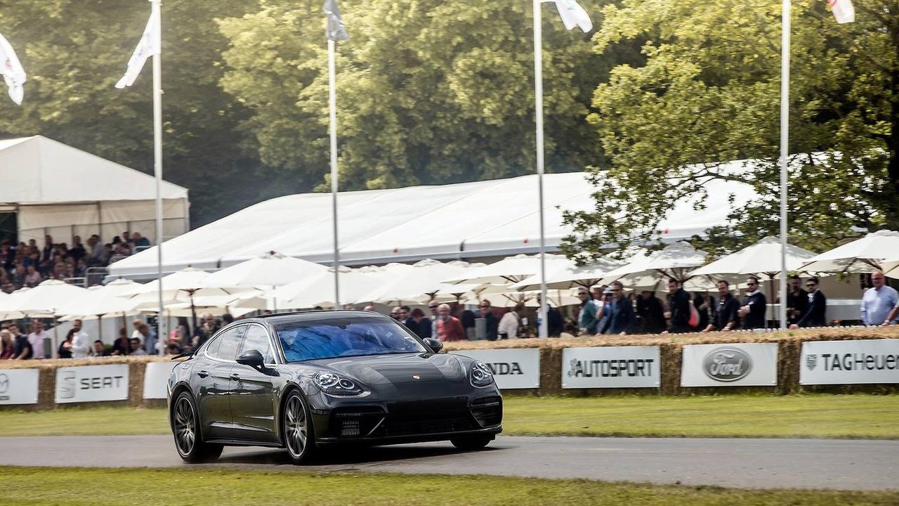 Patrick Dempsey drives camouflaged 2017 Porsche Panamera up Goodwood hill
