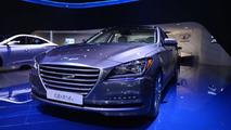 2015 Hyundai Genesis live at 2014 NAIAS