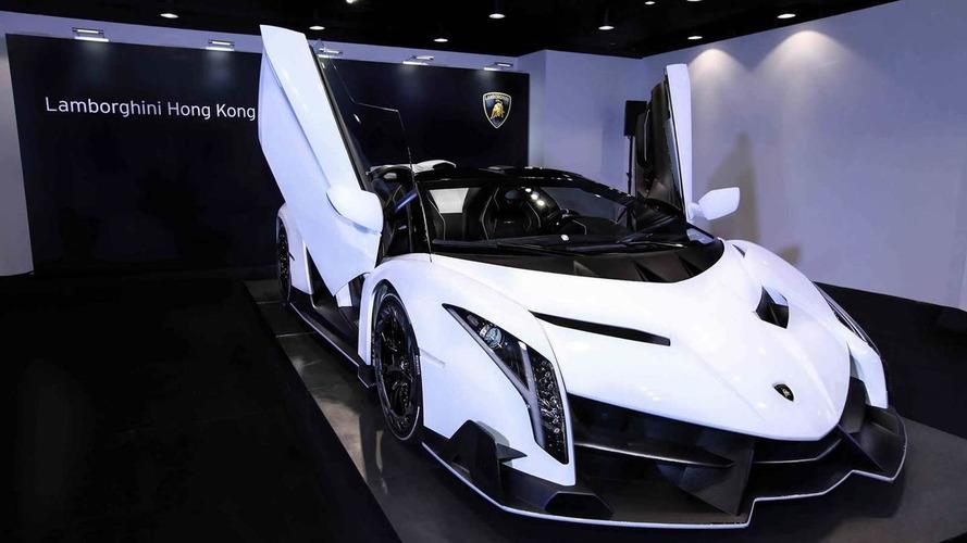 White Veneno Roadster arrives at Lamborghini Hong Kong