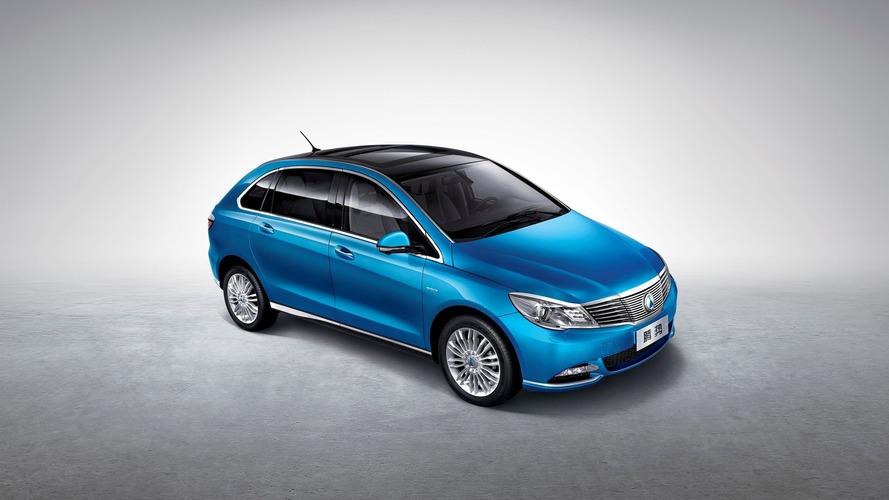 Daimler unveils Denza 400 EV for China with 400 km range
