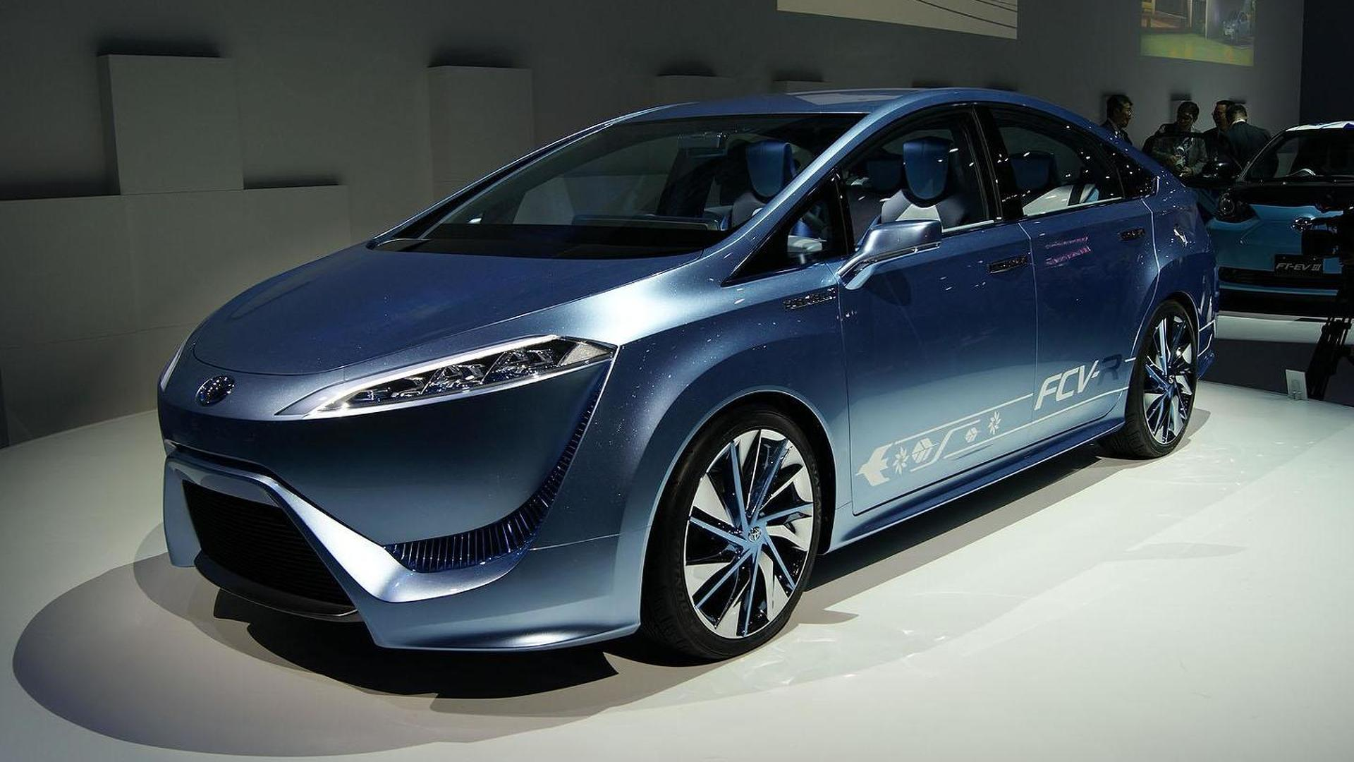2015 Toyota FCV-R to cost less than 100,000 USD