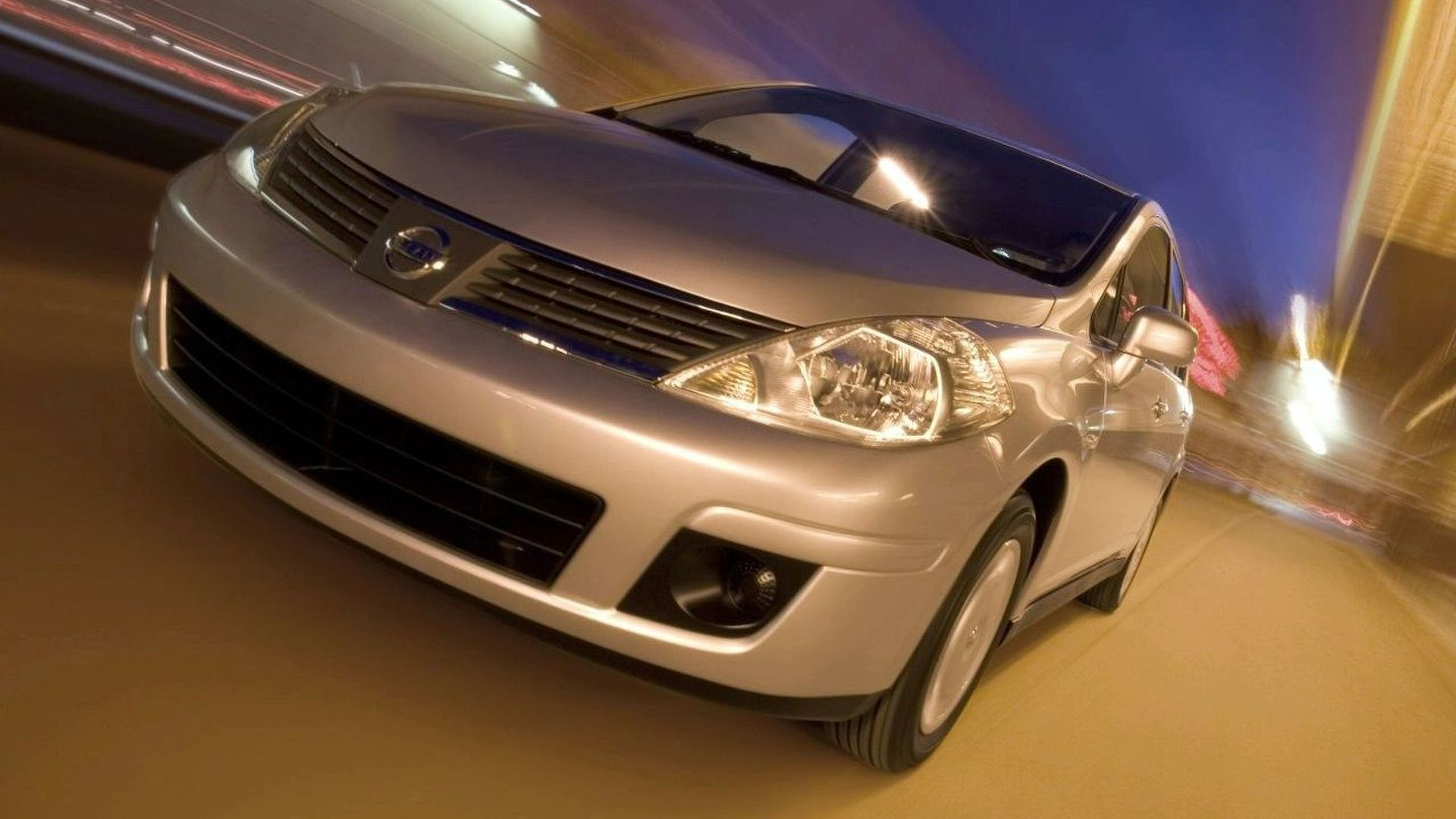 Nissan, Ford, Chrysler lead U.S. sales gain of 20% in April