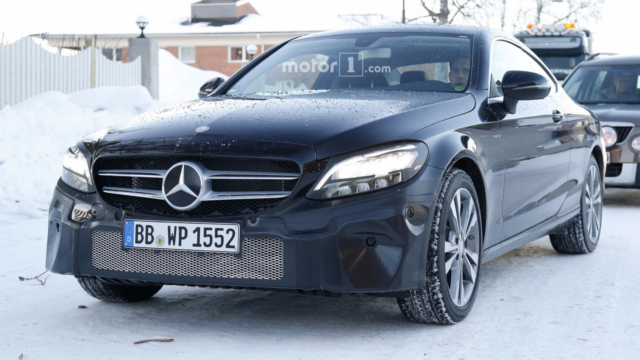 2015 - [Mercedes] Classe C Coupé & Cabriolet [C205/A205] - Page 15 Mercedes-c-class-coupe-facelift-spy-photo