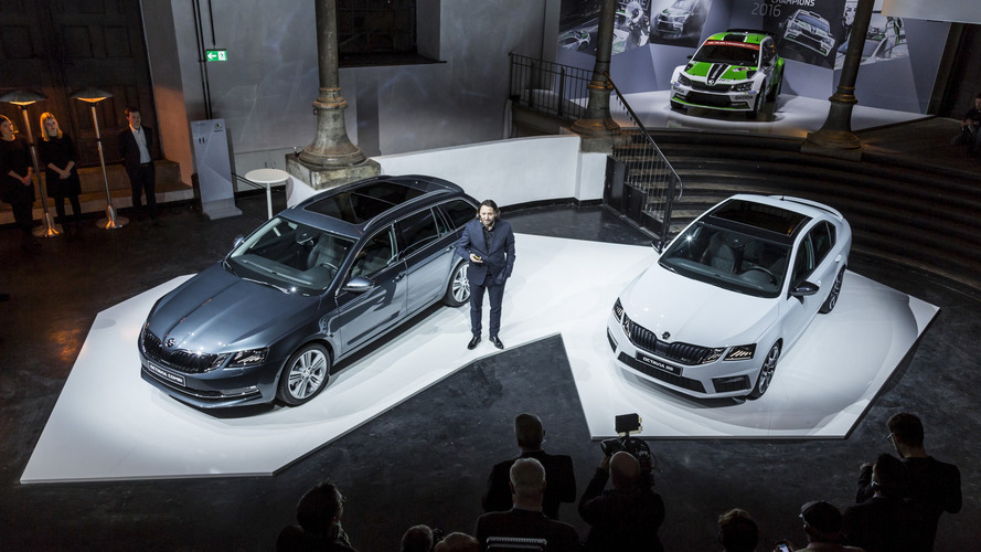 Skoda officially unveils India-bound 2017 Octavia