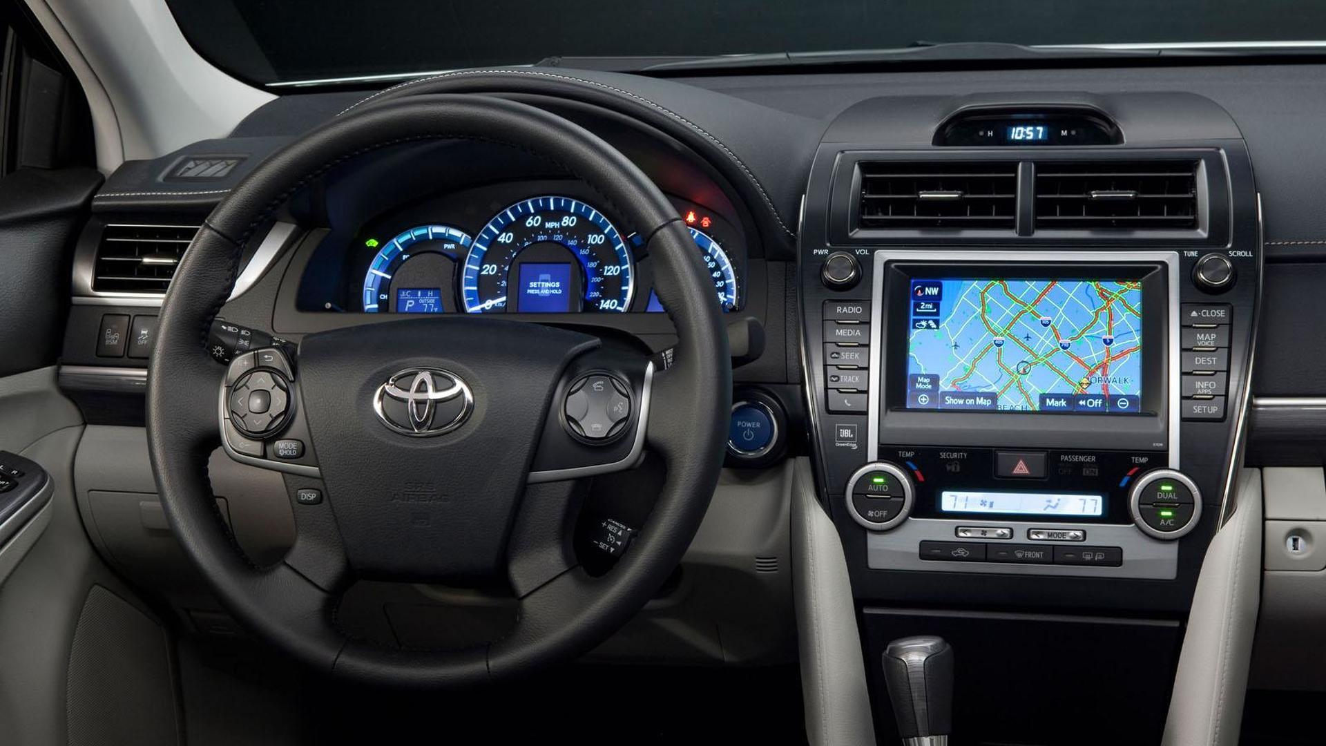 2013 Toyota Camry gains upgraded interior, new equipment