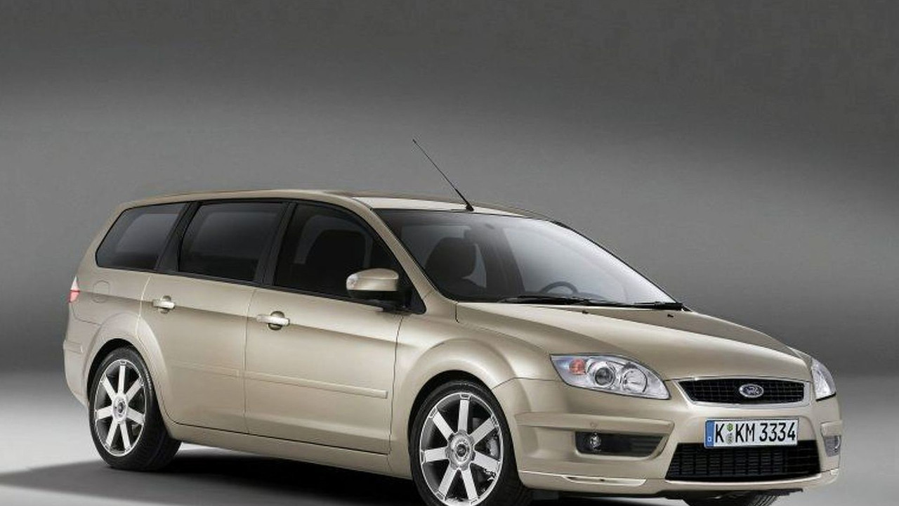 ford mondeo station wagon first photos. Black Bedroom Furniture Sets. Home Design Ideas