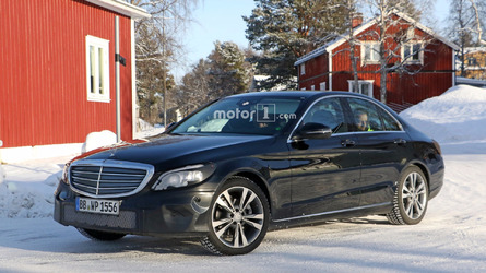 2018 Mercedes C-Class spotted with production headlights, taillights
