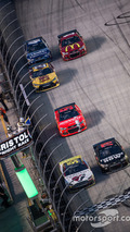 Scientist Bill Nye urges NASCAR to shift to electric cars