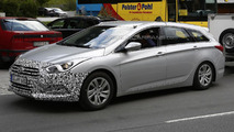 Hyundai i40 facelift spied in Europe hiding minor cosmetic updates
