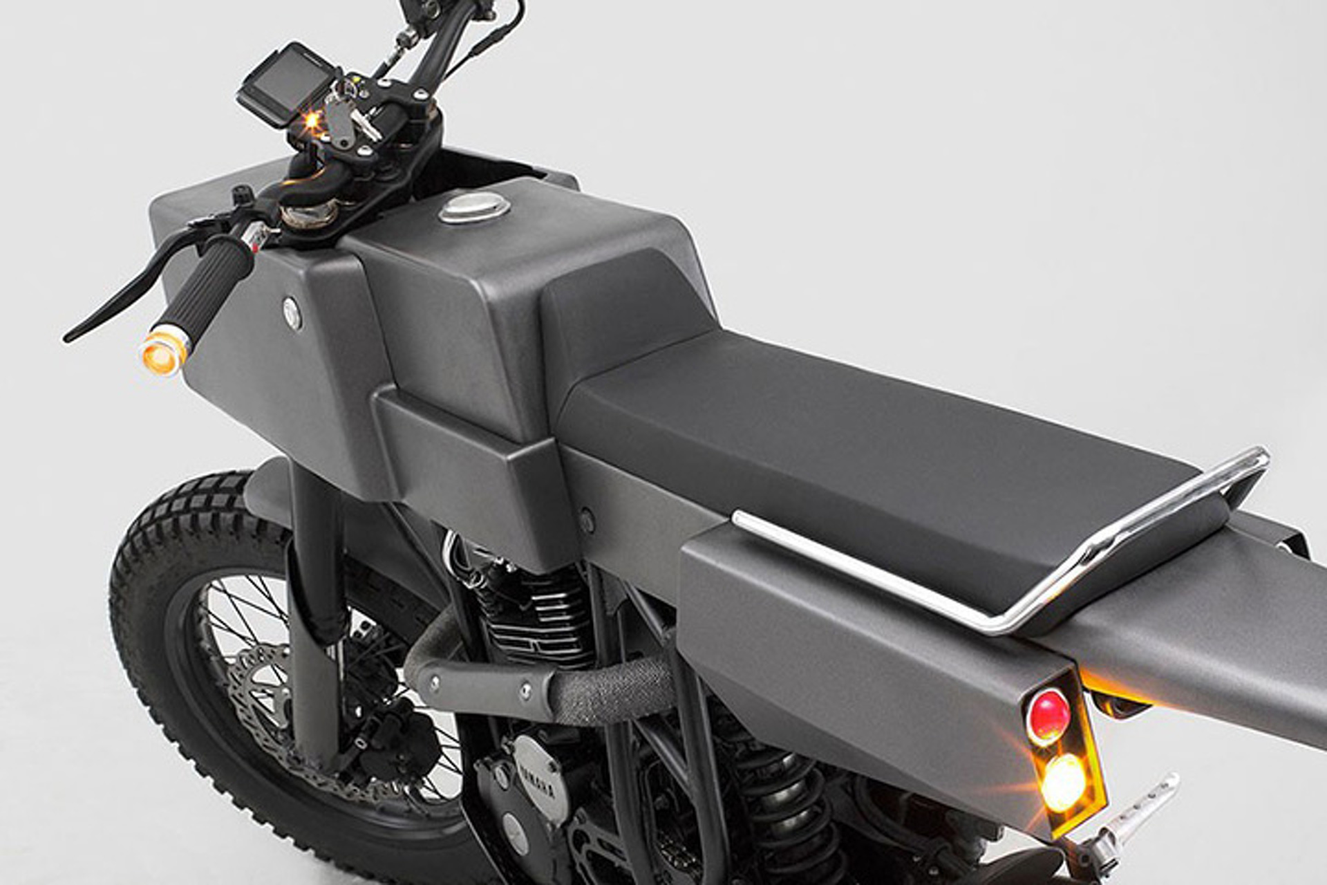 The Thrive MC T 500 Cross Is Square, Bare, and Artfully Awesome