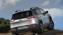 Euro-spec Jeep Cherokee unveiled with two diesel engines
