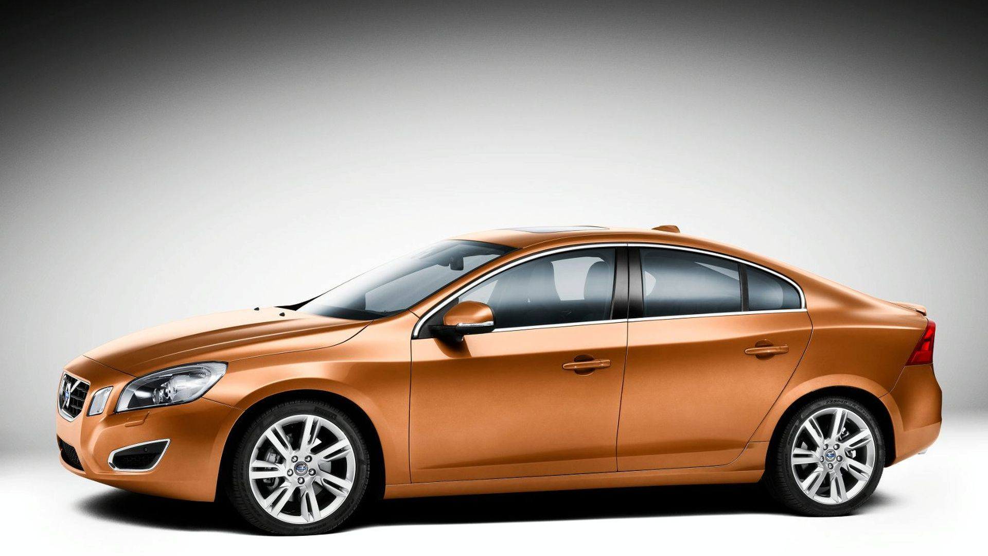 2011 Volvo S60 First Photos Revealed