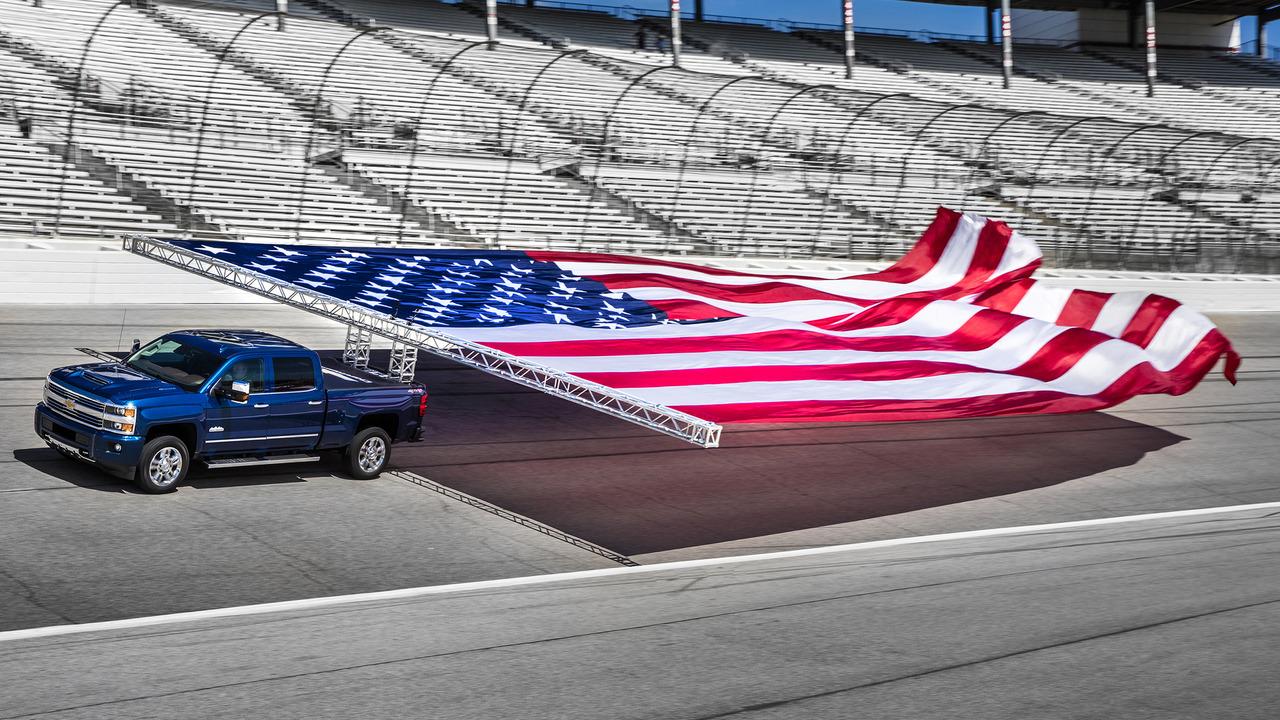2017 Chevrolet Silverado HD towing flags