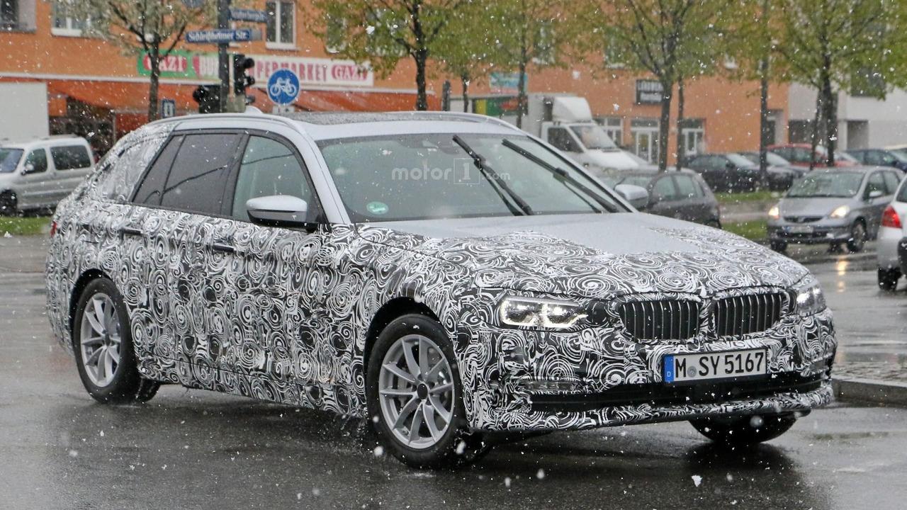 2016/2017 ~ BMW SÉRIE 5 G30/G31 - SÉRIE 5 GT G32 - M5 F90 2017-bmw-5-series-touring-spy-photo