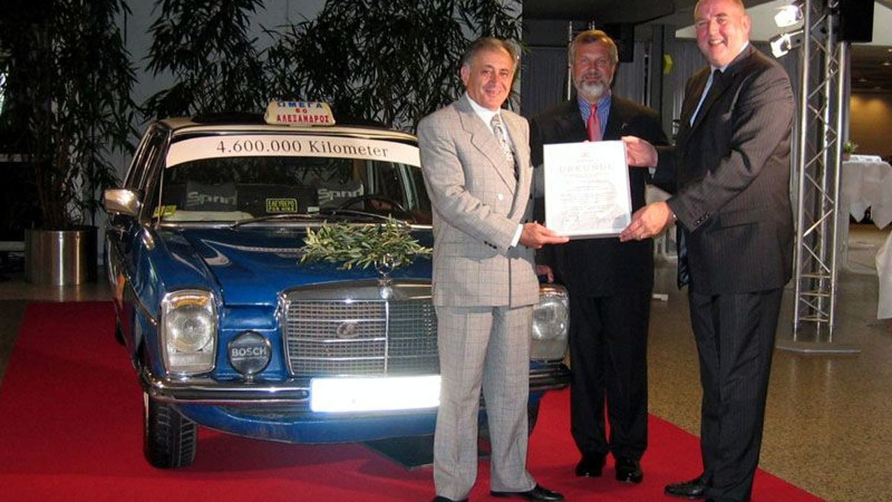Mercedes 240 D donated by Gregorios Sachinidis