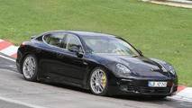 Porsche Panamera facelift spied in traffic [video]