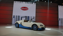 Bugatti Veyron 16.4 Grand Sport Vitesse Special Edition goes topless in Paris [video]