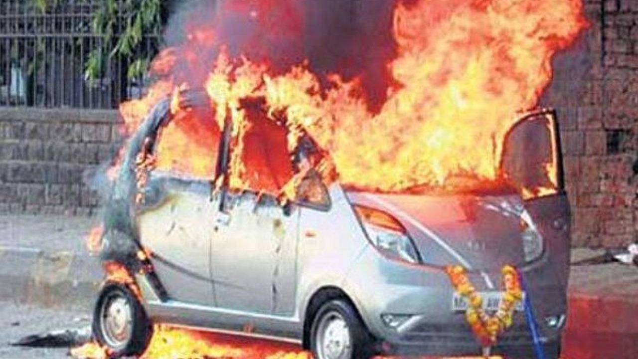 New Tata Nano spontaneously combusts - 600 - 23.03.2010