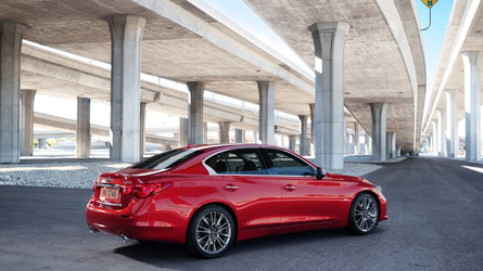 Infiniti Q50 arrives in Chicago with three turbo engines