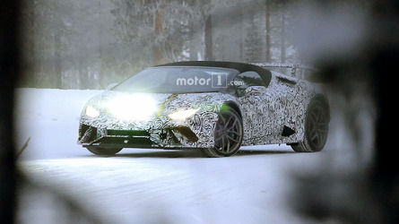 Lamborghini Huracan Spyder Performante spied for the first time
