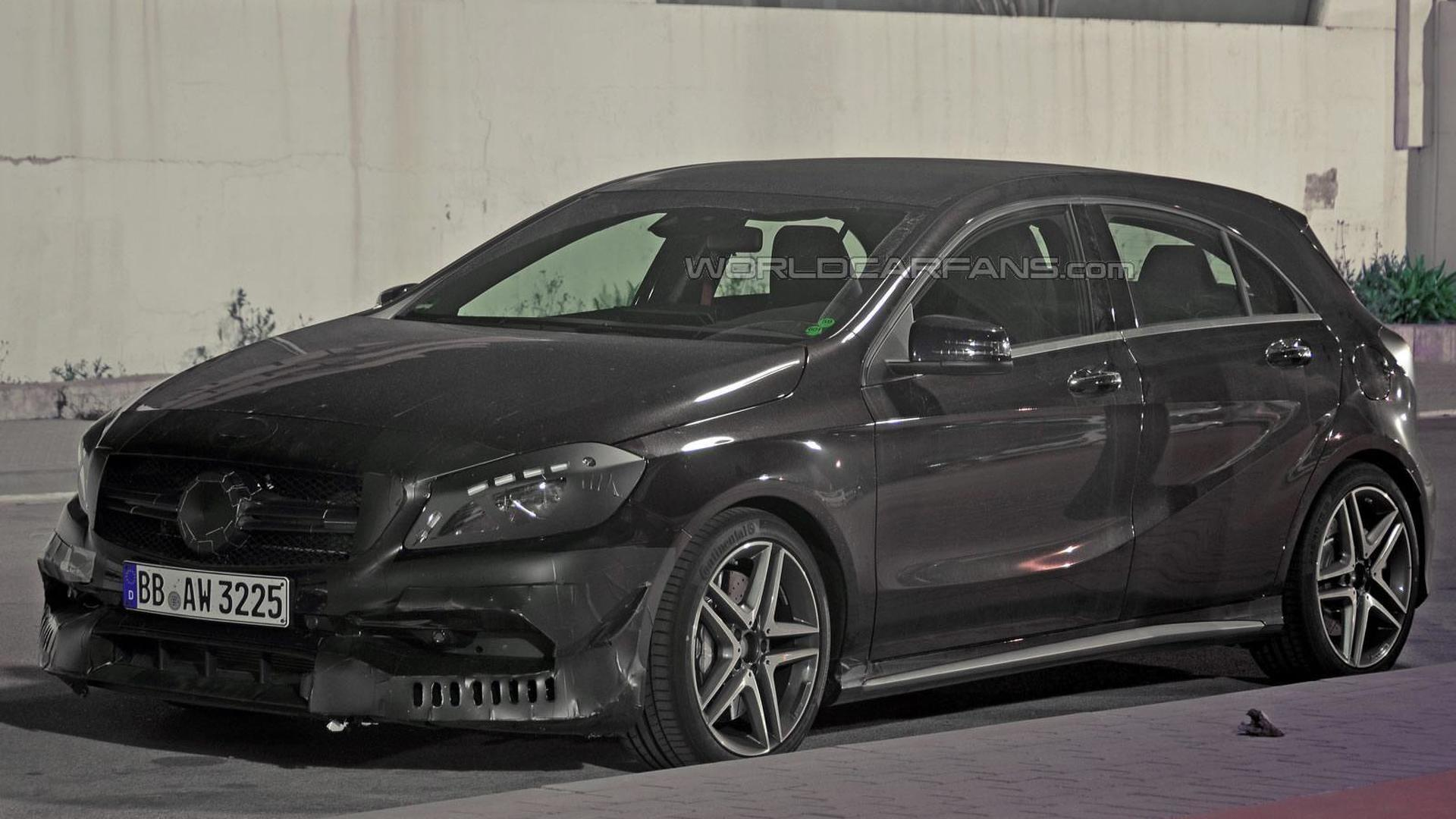 Mercedes-Benz A45 AMG facelift spied inside and out (24 pics)