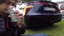 Journalist drinks water from Toyota Mirai [video]