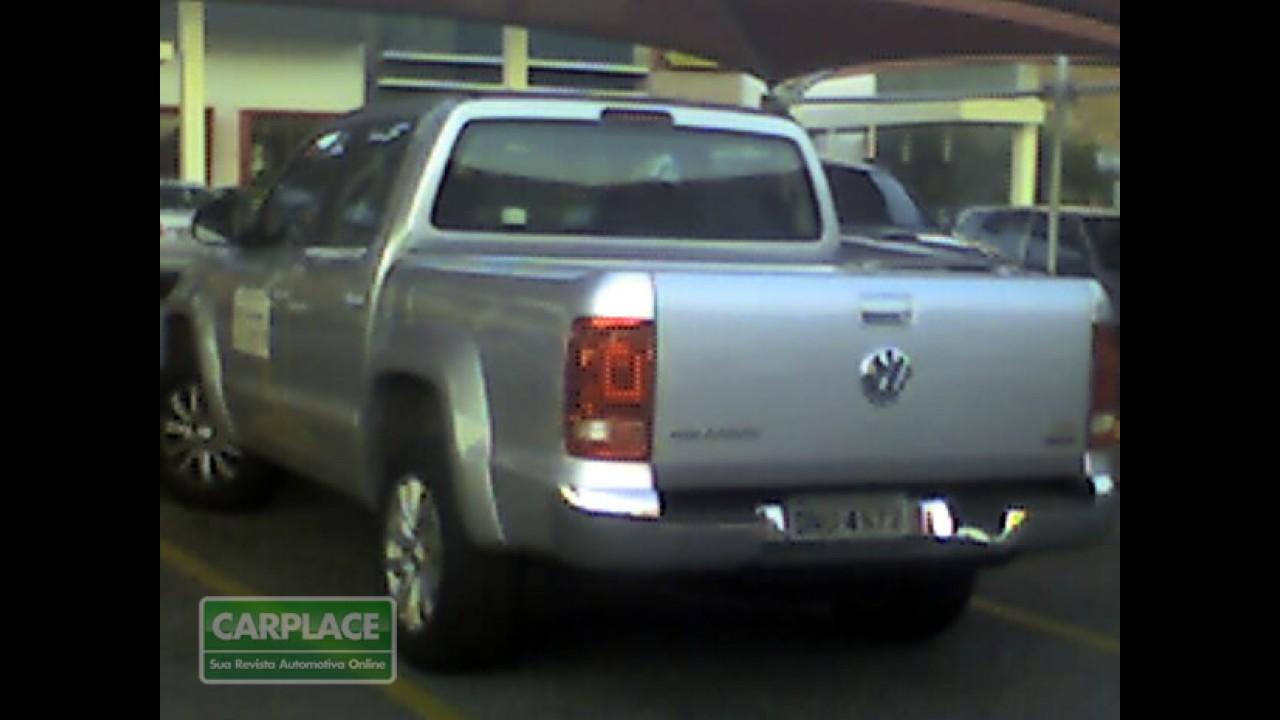 Leitor flagra a nova pick-up VW Amarok emplacada em MG