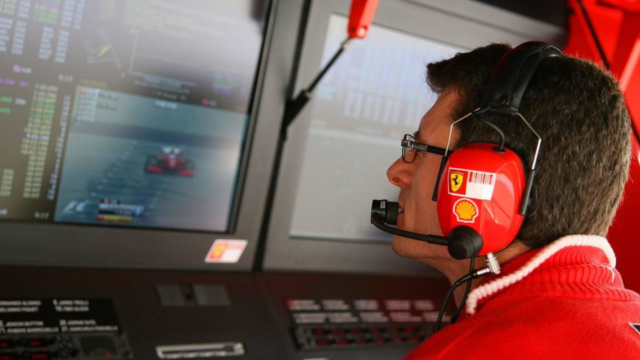 Chris Dyer (AUS), Scuderia Ferrari, Track Engineer of Kimi Raikkonen (FIN) - Formula 1 World Championship, Rd 3, Chinese Grand Prix, 18.04.2009 Shanghai, China
