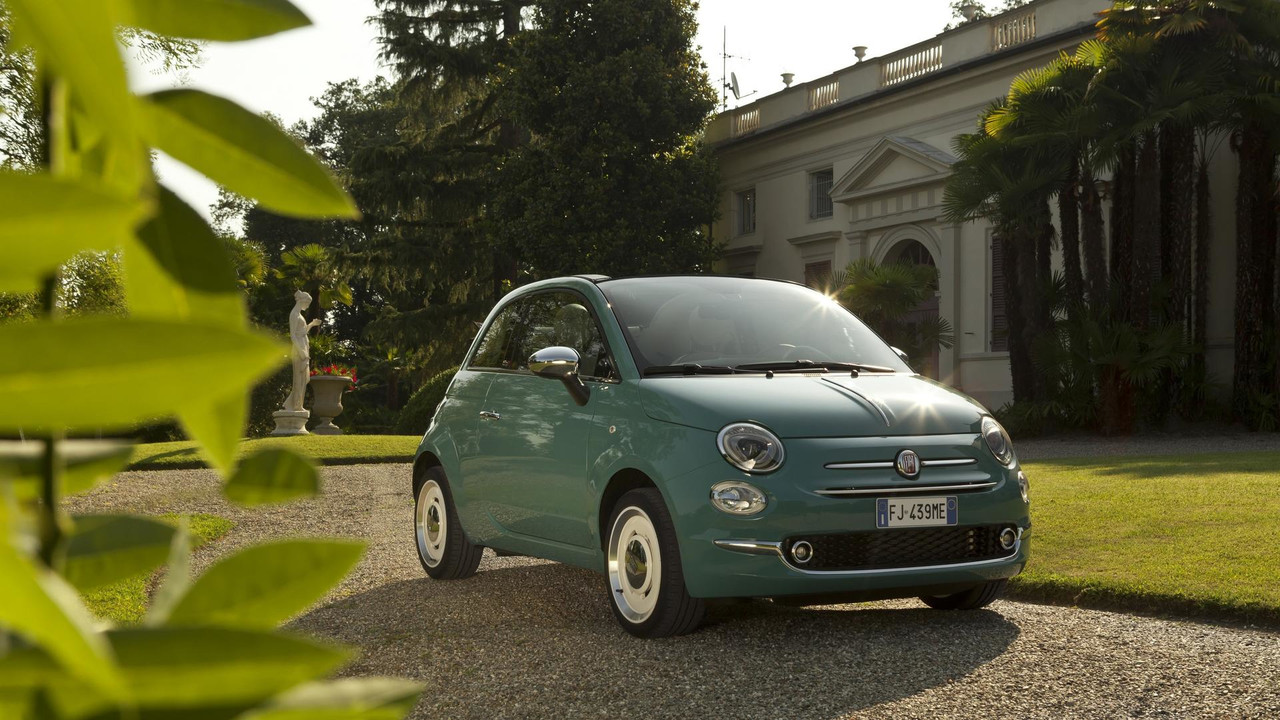 fiat 500 sings happy birthday to itself with anniversario