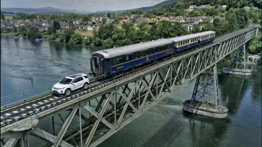 Land Rover Discovery Sport, come una locomotiva [VIDEO]