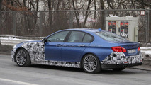 2012 BMW M5 spied in blue 16.02.2011