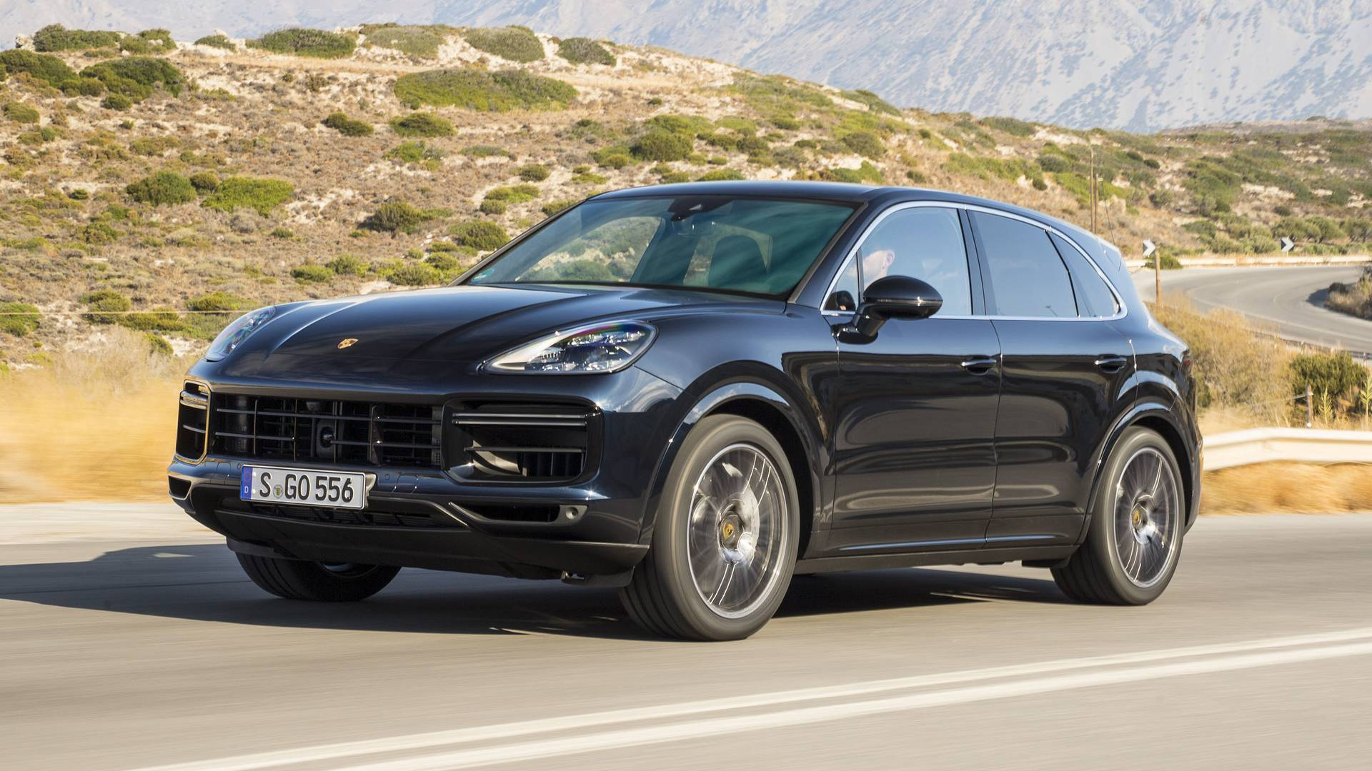 2019 porsche cayenne first drive get everywhere fast. Black Bedroom Furniture Sets. Home Design Ideas