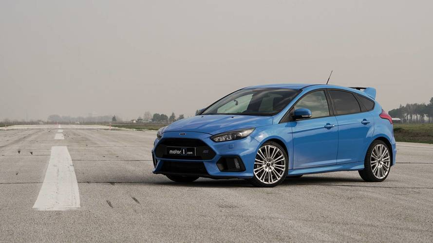 Ford Focus RS vs. Honda Civic Type R