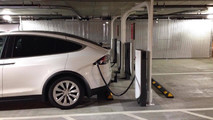 Tesla Urban Supercharger In Chicago