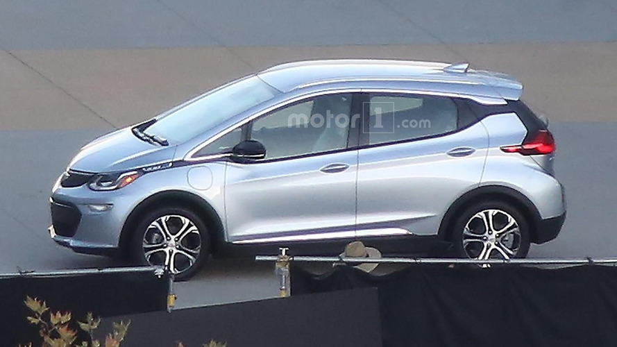 2017 Chevy Bolt to debut tomorrow at CES