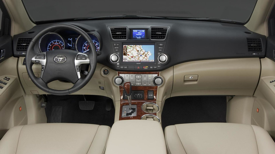 2011 Toyota Highlander facelift revealed