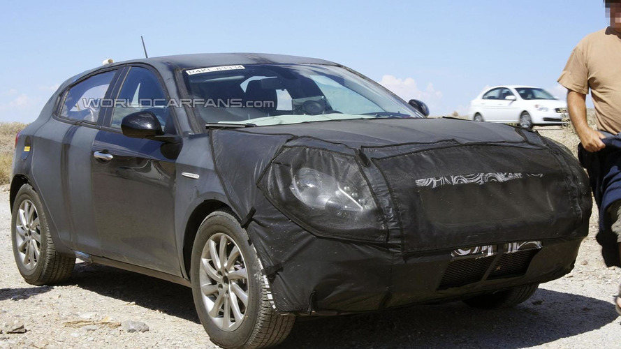 Jeep Liberty successor spied undergoing testing