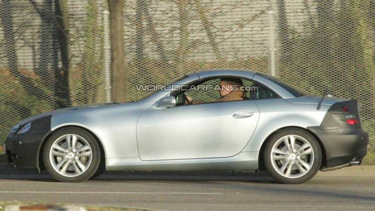 Mercedes SLK Facelift spy photo