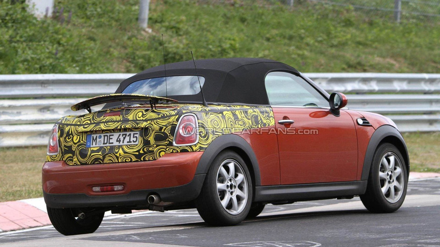 MINI Roadster to feature manual top - report