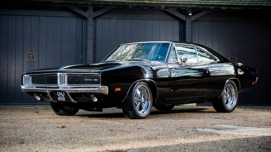 A Good Day To Buy Hard: Ex-Bruce Willis, Jay Kay Charger For Sale