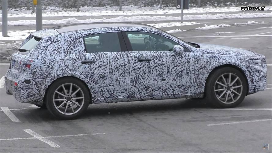 VIDÉO - Le futur Mercedes-Benz GLA effectue sa première sortie