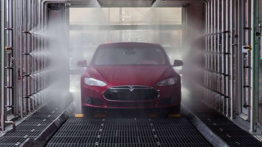 Tesla'nın son Easter Egg'i hiper otomobil hızında