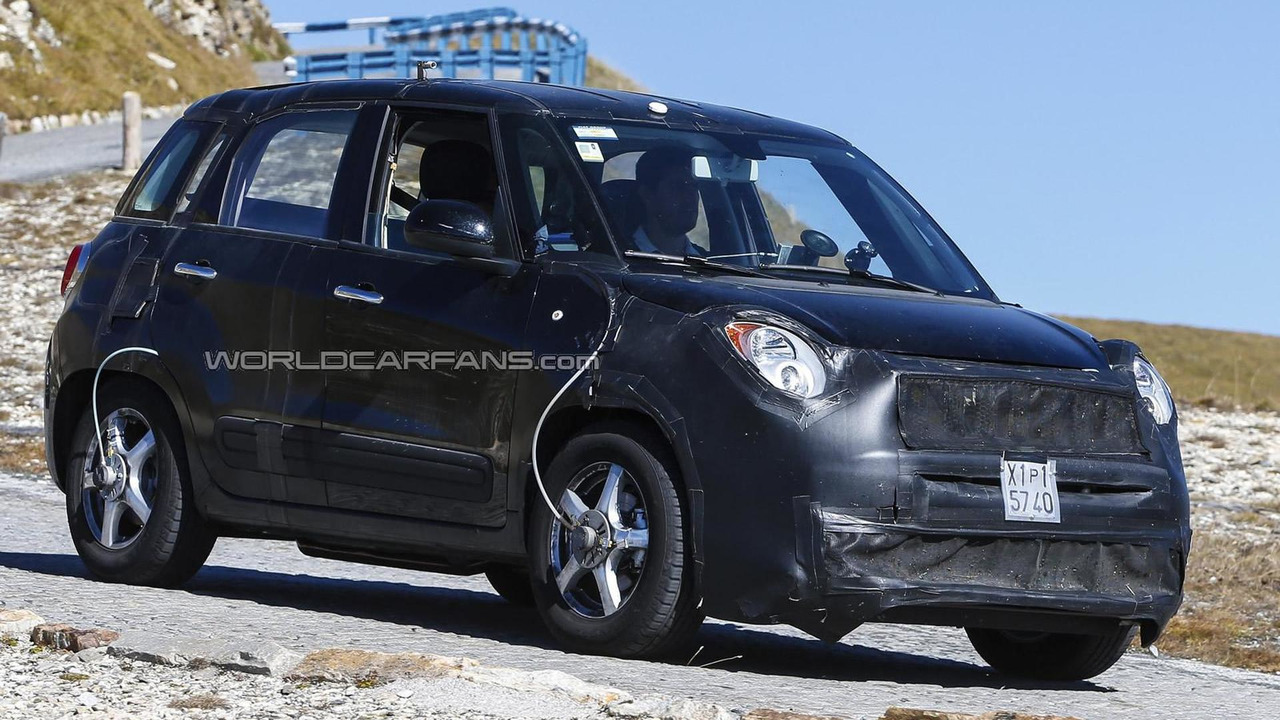 Fiat 500X / Jeep Junior mule spy photo