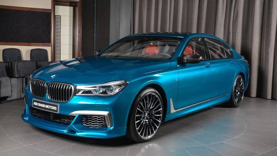 BMW M760Li xDrive, ahora en Azul Long Beach